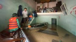 Quảng Nam: Mưa lớn kèm thủy điện xả lũ, dân hối hả dọn đồ đạc lên cao