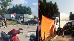 Nóng: Xe con đấu đầu xe tải, 5 người trong một gia đình thương vong