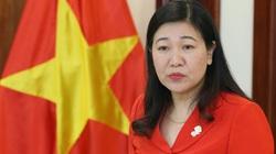 Đại biểu Đại hội Đảng bộ TP. Hà Nội khoá XVII ủng hộ đồng bào miền Trung