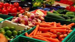 Nông dân phải chiết khấu 35% cho kênh phân phối mới thường xuyên được bán hàng