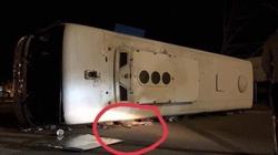 Quảng Ninh: Ô tô tải đâm xe khách, 15 người thương vong