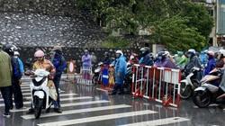 Quảng Ninh: Gió giật cực mạnh, cấm xe máy qua cầu Bãi Cháy