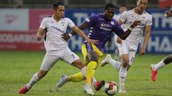 """HAGL lại khiến bầu Đức buồn lòng khi """"lấm lưng trắng bụng"""" trước Hà Nội FC"""
