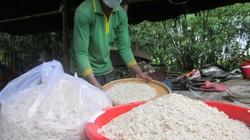 """Sóc Trăng: Đặc sản thơm nức, dẻo quạnh làm từ """"hạt ngọc trời"""" của bà con Khmer"""