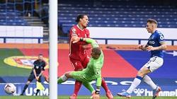 "SỐC: Liverpool mất ""đá tảng"" Van Dijk đến hết mùa"