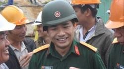 Thăng quân hàm lên Thiếu tướng cho đại tá Nguyễn Hữu Hùng