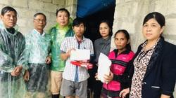 Bữa cơm độn sắn ăn kèm ớt của người dân vùng lũ Quảng Trị