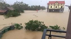 Quảng Bình: Nước ngập tới nóc nhà, dân trở tay không kịp