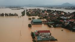 """Quảng Bình: """"Rốn"""" lũ Tân Ninh chìm trong biển nước, vượt lũ lịch sử 2010"""