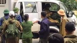 Quảng Trị: 10 người băng rừng đưa thi thể cán bộ công an trên đường cứu nạn về nhà