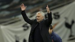 """Tottenham mất điểm khó tin, HLV Mourinho ví von với """"phim kinh dị"""""""