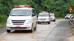 Hình ảnh đoàn xe cứu thương nối đuôi nhau đưa 22 chiến sĩ bị vùi lấp trở về