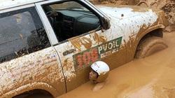 """Đua xe địa hình: Cuộc chơi """"điên rồ"""" của những gã trai thích tắm bùn"""