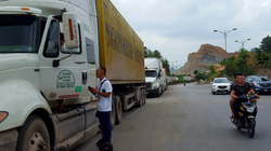 Lạng Sơn: Phương tiện vận tải Trung Quốc nhập cảnh qua cửa khẩu Chi Ma phải có bảo hiểm bắt buộc