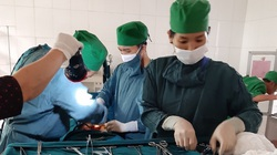 Hà Tĩnh: Bệnh viện huyện Cẩm Xuyên chìm trong biển nước vẫn mổ đẻ thành công 15 ca