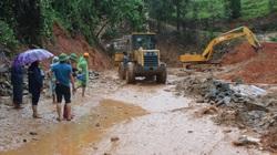 Các tuyến quốc lộ sụt lở vì mưa lũ: Kiến nghị dùng trực thăng để cứu hộ, cứu nạn trên địa bàn Quảng Trị