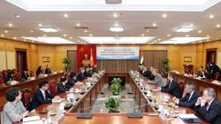 Bộ trưởng Ngoại giao và Kinh tế đối ngoại Hungary thăm và làm việc tại Bộ KH&CN