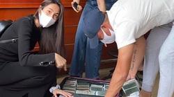 """Thủy Tiên mang vali tiền """"khủng"""" cứu trợ miền Trung đợt 2, báo """"tin vui"""" bất ngờ"""
