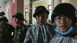 Bão số 9: Chiến sĩ biên phòng Quảng Nam xuyên đêm canh từng nhà cho dân