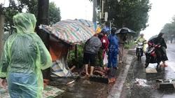 Trú mưa tránh bão, một người bị bê tông rơi trúng đầu chấn thương sọ não
