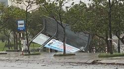 """""""Cuồng phong"""" Molave đổ bộ, sóng gầm dữ dội, quật thẳng vào nhà dân"""