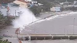 Bão số 9 ập vào đất liền, gió mạnh kinh khủng, Quảng Ngãi yêu cầu dân xuống hầm