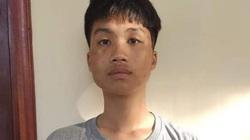 """Khởi tố vụ án, bắt tạm giam thanh niên """"hổ báo"""" đập phá xe máy ở Hà Nội"""