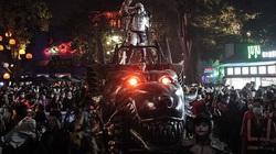 Rợn người cảnh ma quái đầy đường ở Vũ Hán mùa Halloween