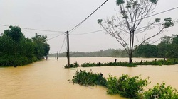 Nghệ An: Mưa lớn, thủy điện xả lũ khiến 2 người mất tích