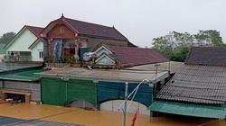Nghệ An: Mưa trắng đêm, nhà dân ngập tới nóc, đường thành sông