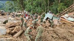 Sạt lở ở Quảng Nam: Cận cảnh lực lượng chức năng đào xới đất tìm kiếm các nạn nhân còn mất tích