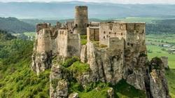 7 lâu đài hàng trăm tuổi bị bỏ hoang trên thế giới