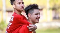 Đại học Y Thái Bình miễn học phí cho chàng trai 10 năm cõng bạn đến trường