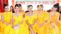"""Dân mạng """"dậy sóng"""" vì show thời trang """"Vàng son"""" trong Đại nội Huế bị phản ứng, mỹ nhân Việt nói gì?"""