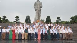 Nghệ An: 130 triệu phú, tỷ phú nông dân dâng hoa, dâng hương tưởng niệm Chủ tịch Hồ Chí Minh
