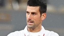 Chấn thương và bị dẫn trước, Djokovic vẫn vào bán kết Roland Garros
