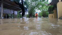 TT-Huế: Hồ chứa lớn thứ hai miền Trung được lệnh mở  cửa cống tháo sâu, học sinh nghỉ học