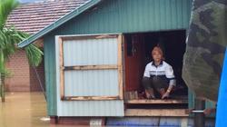 Quảng Bình: Gần 90.000 học sinh phải nghỉ học do nước lũ ngập khắp nơi