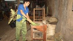 Một ông nông dân tỉnh Cao Bằng sáng chế máy thái rau, máy bóc lạc khiến cả làng nể phục