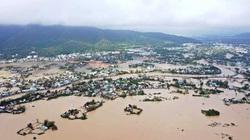 3 người thương vong do bão lũ, Bình Định tiếp tục ban hành lệnh cấm biển