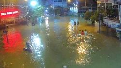 TT-Huế: Sơ tán 37.000 người, 2 hồ thủy điện nước về bao nhiêu phải xả bấy nhiêu