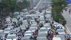 Cảnh tắc đường, dòng người chen chúc sau khi thông xe đường vành đai 2