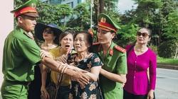 """Sao Mai Huyền Trang hóa cảnh sát hình sự trong phim ca nhạc """"Nắng lên bên mẹ"""""""