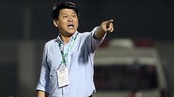 """16 cầu thủ rời Sài Gòn FC tố HLV Vũ Tiến Thành """"giả tạo""""?"""