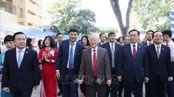 Tổng Bí thư, Chủ tịch Nước thăm lại trường xưa dịp kỷ niệm 70 năm thành lập