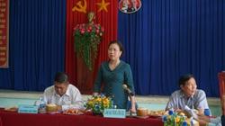 Phó Chủ tịch Hội NDVN bất ngờ trước tài trồng bưởi da xanh, dừa xiêm ra đầy trái của nông dân tỉnh Bến Tre