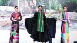 Lý Quí Khánh, Valentine Vân Nguyễn làm show thời trang thổ cẩm giữa rừng thông