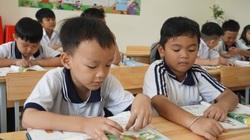 """Sau hơn 2 tháng dạy SGK lớp 1 mới, giáo viên mỗi người """"bơi"""" một kiểu"""