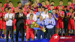 """Vì sao đội bóng """"We are One"""" Sài Gòn FC chia tay 19 người?"""