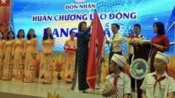 Phó Chủ tịch nước chúc mừng Trường Tiểu học Đinh Tiên Hoàng tròn 100 năm tuổi
